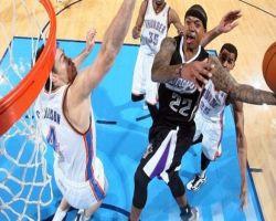 شاهد.. لاعبو السلة الأمريكية فى وضع الطيران