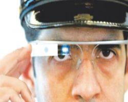 شرطه دبي ترصد المخالفات بالنظارات الذكيه