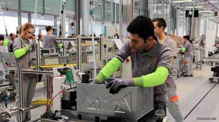 4 مقومات تؤهل الإمارات للتحول إلى مركز صــــــناعي عالمي قائم على التكنولوجيا والابتكار