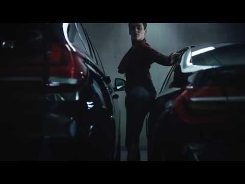 اعلان BMW عن المواقف الضيقة (رهيب)